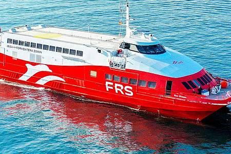 Eine Katamaran-Schnellfähre der deutschen Reederei FRS (Archivbild) . Foto: Reederei FRS/dpa