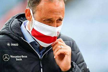 VfB-Coach Pellegrino Matarazzo trifft mit seinem Team im Spitzenspiel auf den HSV. Foto: Stuart Franklin/Getty Images Europe/Pool/dpa