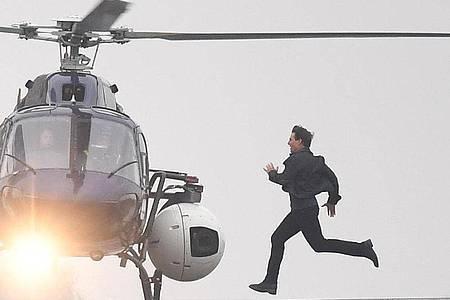 Schauspieler Tom Cruise während der Dreharbeiten für seinen Film «Mission: Impossible 6». Foto: Victoria Jones/PA Wire/dpa