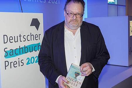 «Hegels Welt» von Jürgen Kaube ist das Sachbuch des Jahres 2021. Foto: Jörg Carstensen/dpa