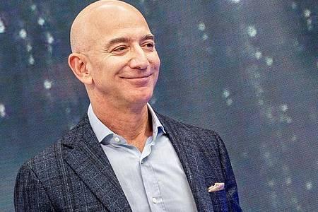 Jeff Bezos, Chef von Amazon, ist nicht mehr der reichste Mensch der Welt. Foto: Andrej Sokolow/dpa