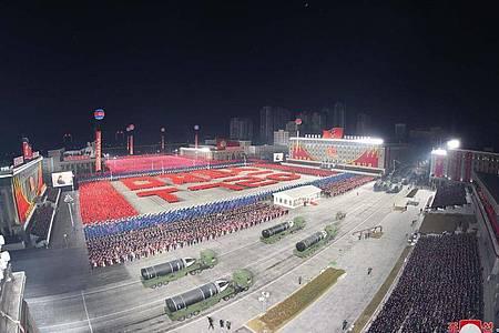 Pjöngjang nutzt oft wichtige Feier- oder Gedenktage, um militärische Stärke zu zeigen. Foto: KCNA/dpa