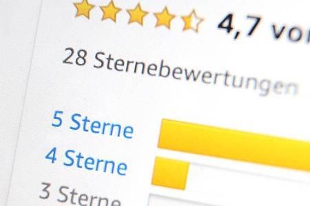 Sterntaler: Doch leider ist im Internet - ganz wie im Märchen - längst nicht alles wahr. Foto: Karl-Josef Hildenbrand/dpa-tmn