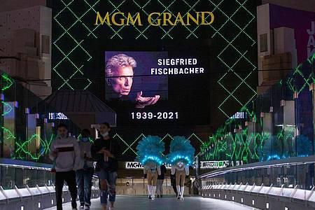 Trauer in Las Vegas um den Magier Siegfried Fischbacher. Foto: Steve Marcus/Las Vegas Sun/AP/dpa