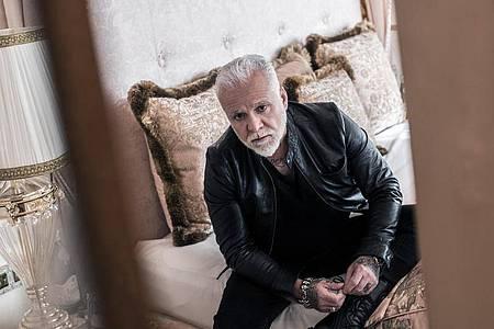 Auf seinem neuen Album erinnert Nino de Angelo an Unheilig und Joachim Witt. Foto: Franz Schepers/Ariola/Sony Music/dpa