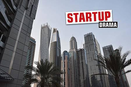 """Skyline mit Schriftzug """"Startup"""""""