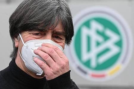 Entscheidet im Mai über den finalen EM-Kader: Bundestrainer Joachim Löw. Foto: Arne Dedert/dpa
