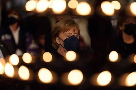 Bundeskanzlerin Angela Merkel beim Gedenkgottesdienst im Aachener Dom. Foto: Oliver Berg/dpa-Pool/dpa