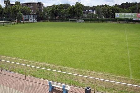 In vielen Bundesländern wird es diese Saison keinen Amateur-Fußball mehr geben. Foto: Britta Pedersen/zb/dpa