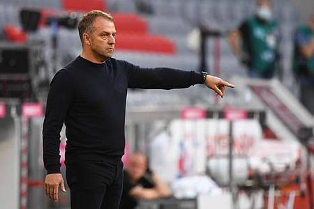Nimmt die Bayern-Stars in Gladbach in die Pflicht: Trainer Hansi Flick. Foto: Matthias Balk/dpa