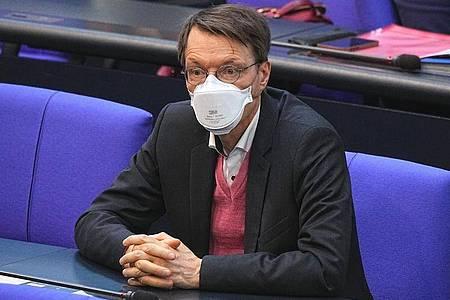Karl Lauterbach während einer Sitzung des Bundestags. Foto: Michael Kappeler/dpa