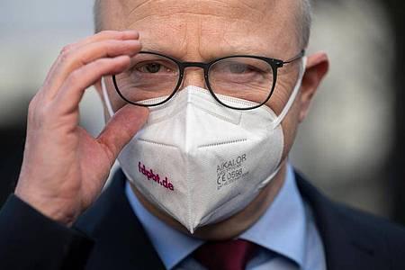 FDP-Bundestagsfraktionsvize Michael Theurer. In der Debatte um die Verteilung von angeblich weniger geprüften Corona-Schutzmasken fordert seine Partei den Einsatz eines Sonderermittlers. Foto: Marijan Murat/dpa