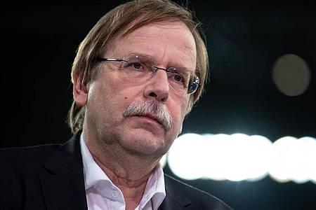 Hat sich deutlich gegen die Kritik amDeutschen Fußball-Bund gewehrt: DFB-Interimspräsident Rainer Koch. Foto: Sven Hoppe/dpa