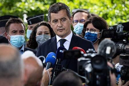 Gerald Darmanin, Innenminister von Frankreich, in La Chapelle-sur-Erdre. Foto: Loic Venance/AFP/dpa