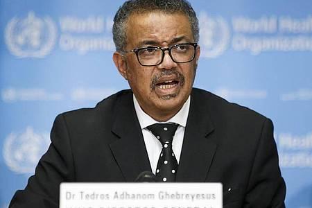 Tedros Adhanom Ghebreyesus, Generaldirektor der Weltgesundheitsorganisation (WHO), bei einer Pressekonferenz. Foto: Salvatore Di Nolfi/KEYSTONE/dpa