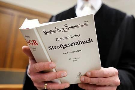 Der Deutsche Richterbund fordert ein Maßnahmenpaket, das sich nicht in Strafverschärfungen erschöpft. Foto: Oliver Berg/dpa