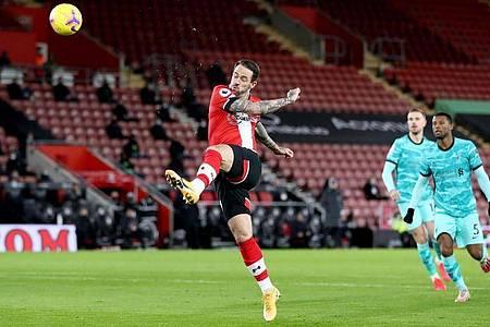 Danny Ings (M) schoss Southampton gegen den FC Liverpool früh zum Sieg. Foto: Naomi Baker/PA Wire/dpa