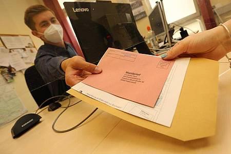 Zur Landtagswahl am 6. Juni 2021 rechnet Sachsen-Anhalt mit einem Zuwachs der Briefwahl-Stimmen. Foto: Matthias Bein/dpa-Zentralbild/dpa
