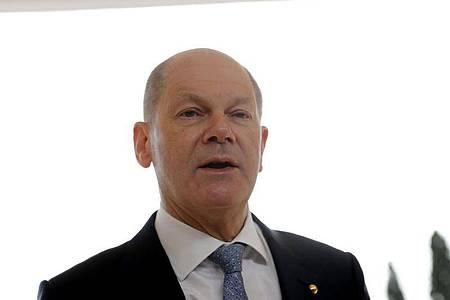 Bundesfinanzminister und SPD-Kanzlerkandidat Olaf Scholz bei einemEU-Treffen. Foto: Armando Franca/AP/dpa