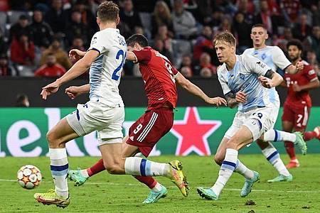 Seinen zweiten Treffer erzielte Lewandowski aus dem Spiel heraus. Foto: Sven Hoppe/dpa