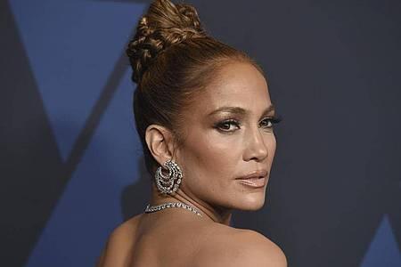 Kaum zu glauben: Latina-Star Jennifer Lopez ist 52 Jahre alt. Foto: Jordan Strauss/Invision via AP/dpa