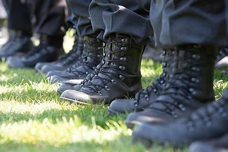 Mehrere Reservisten sollen Teil einer Wehrsportgruppe gewesen sein. Foto: Timm Schamberger/dpa/Symbolbild