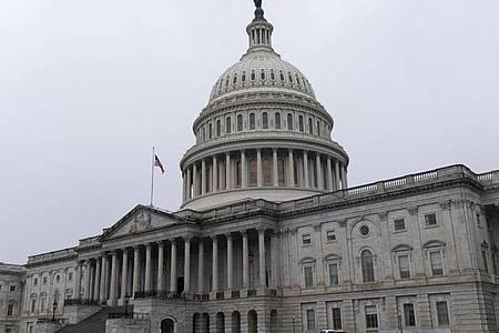 Der US-Kongress kommt im Kapitol zur Zertifizierung der Wahlergebnisse zusammen. Foto: Jacquelyn Martin/AP/dpa