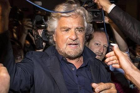 In einer Videobotschaft hatte Beppo Grillo, Gründer der italienischen Fünf-Sterne-Bewegung, seinen Sohn in Schutz genommen und die Glaubwürdigkeit des mutmaßlichenVergewaltigungsopfers in Frage gestellt. (Archivbild). Foto: Massimo Percossi/ANSA/dpa