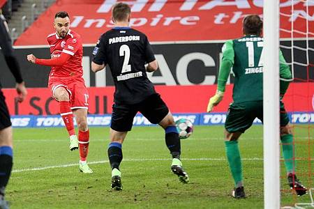 Kenan Karaman sorgte beim Düsseldorfer Sieg gegen Paderborn für die Vorentscheidung. Foto: Roland Weihrauch/dpa
