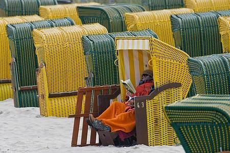 Strandkörbe im Seebad Binz auf Rügen. Foto: picture alliance / dpa