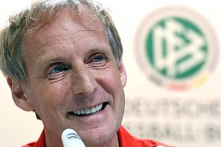 Der Sportpsychologe Hans-Dieter Hermann arbeitet seit vielen Jahren beim DFB mit dem Nationalteam von Bundestrainer Joachim Löw. Foto: Andreas Gebert/dpa