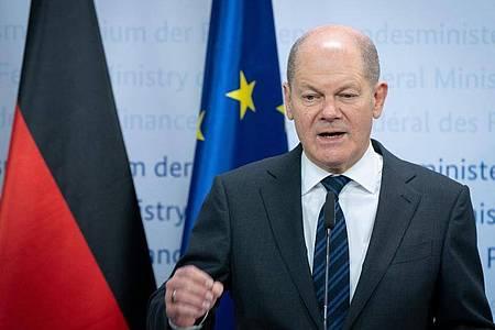 Olaf Scholz (SPD), Bundesminister der Finanzen, gibt im Finanzministerium eine Pressekonferenz. Thema sind weitere Finanzhilfen im Rahmen der Corona-Beschränkungen. Foto: Kay Nietfeld/dpa/Pool/dpa