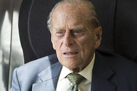 Der britische Prinz Philip bleibt «vorsorglich» im Krankenhaus. Foto: Paul Edwards/The Sun/Press Association/dpa