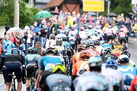 Die 3. Etappe der Deutschland Tour führt über 193,9 Kilometer von Ilmenau nach Erlangen. Foto: Bernd Thissen/dpa