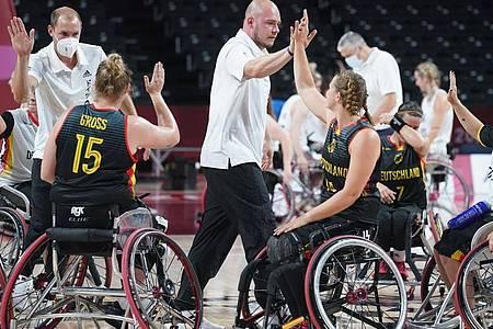 Die deutschen Rollstuhl-Basketballerinnen sind bei den Paralympics in Tokio noch ungeschlagen. Foto: Marcus Brandt/dpa