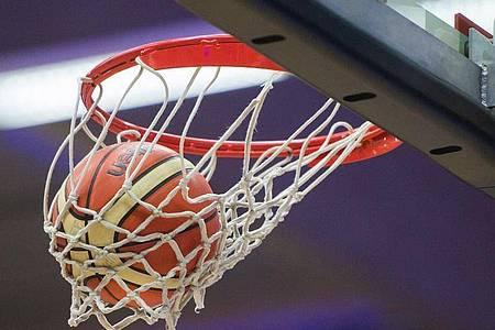 Nach der Fußball-Bundesliga will auch Deutschlands Basketball-Eliteliga wieder den Spielbetrieb aufnehmen. Foto: picture alliance / dpa