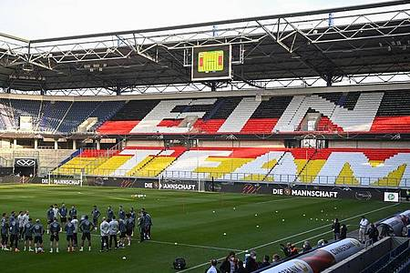 Abschlusstraining der Nationalmannschaft vor dem Spiel gegen Island. Foto: Federico Gambarini/dpa