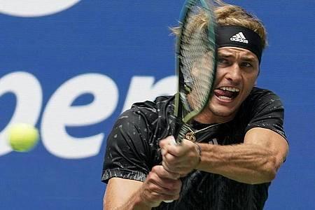 Hat mit dem Sieg gegen Sam Querrey die zweite Runde der USOpen erreicht: Alexander Zverev. Foto: John Minchillo/AP/dpa