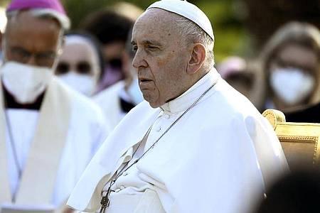 «Ich habe mit Schrecken die Nachrichten aus Kanada empfangen», sagte Papst Franziskus in Rom. (Archivbild). Foto: Filippo Monteforte/Pool AFP/AP/dpa