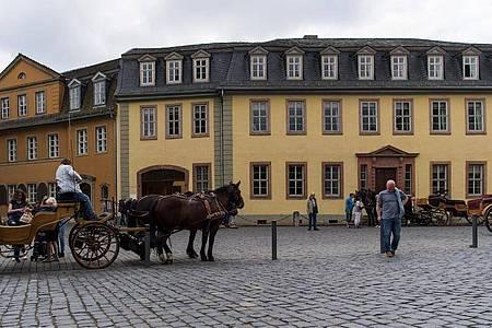 Das Wohnhaus von Johann Wolfgang von Goethe am Frauenplan in Weimar. Foto: Monika Skolimowska/dpa-Zentralbild/dpa