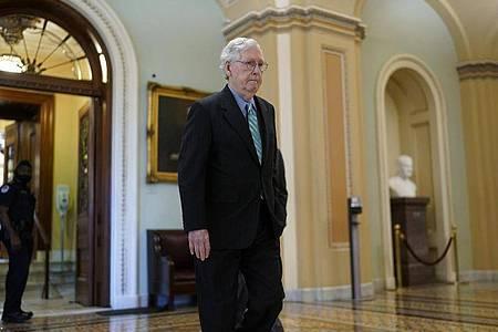 McConnell, Minderheitsführer der Republikaner im Senat, bietet an, eine Notfall-Anhebung der Schuldengrenze nicht zu blockieren. Foto: J. Scott Applewhite/AP/dpa
