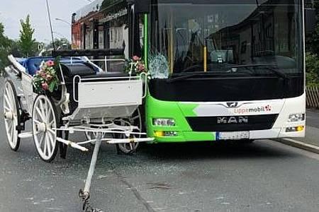 Unfall mit Hochzeitskutsche