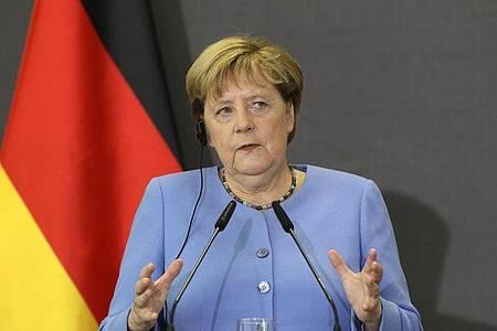 Angela Merkel nimmt an einer gemeinsamen Pressekonferenz mit dem albanischen Premierminister Rama teil. Foto: Franc Zhurda/AP/dpa