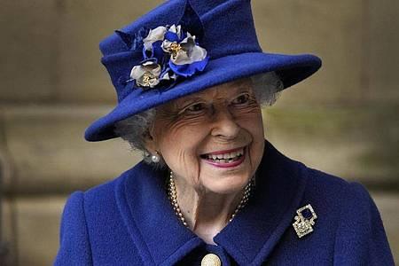 Unermüdlich im Dienst:Die britische Königin Elizabeth II. nach einem Dankgottesdienst in London. Foto: Frank Augstein/AP Pool/dpa