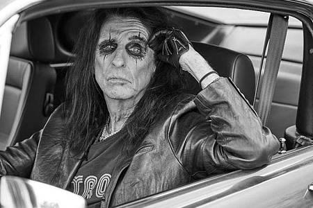 Alice Cooper liebt es, unterwegs zu sein. Foto: earMUSIC/Jenny Risher/dpa