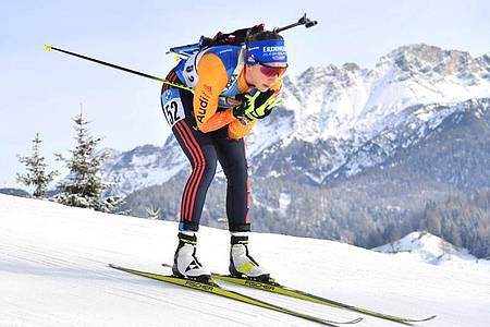 Sprintete in Hochfilzen auf Platz vier: Franziska Preuß. Foto: Barbara Gindl/APA/dpa