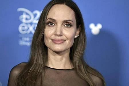 Spielt in dem starbesetzten Marvel-Film «Eternals» mit: US-Schauspielerin Angelina Jolie. Foto: Richard Shotwell/Invision/dpa