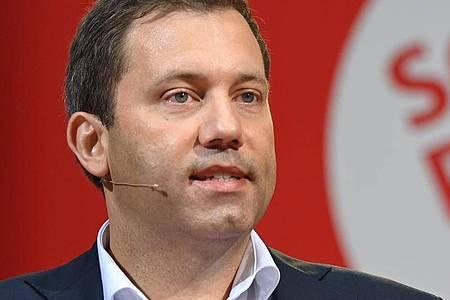 Wirft der Union eine Schmutzkampagne vor:SPD-Generalsekretär Lars Klingbeil. Foto: Britta Pedersen/dpa
