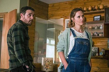 Jake (Jamie Sives, l) und Angie (Ruth Bradley) in der Krimiserie «Guilt - Keiner ist schuld». Foto: Mark Mainz/BBC/Expectation/Happy Tramp North/ARTE/dpa