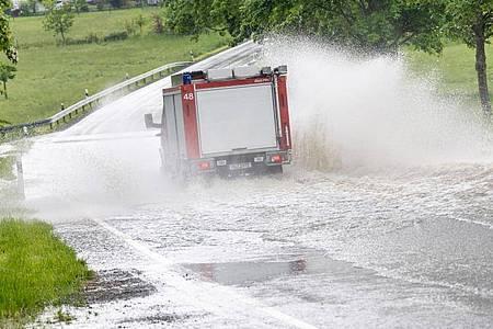 Unwetter mit heftigem Regen haben im Westen Deutschlands die Einsatzkräfte beschäftigt. Foto: Jan Eifert/dpa